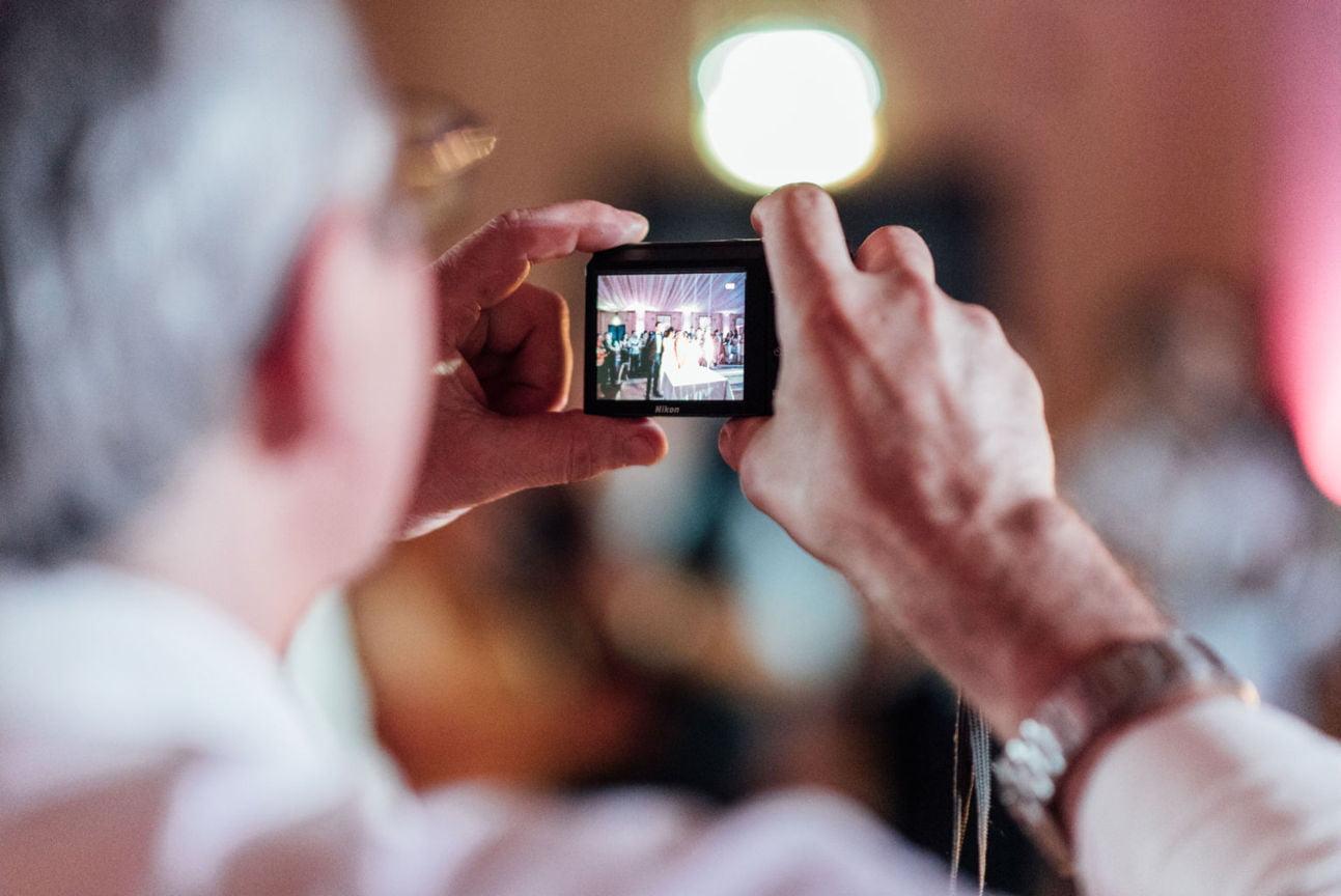 5 motive pentru a angaja un fotograf profesionist de nuntă