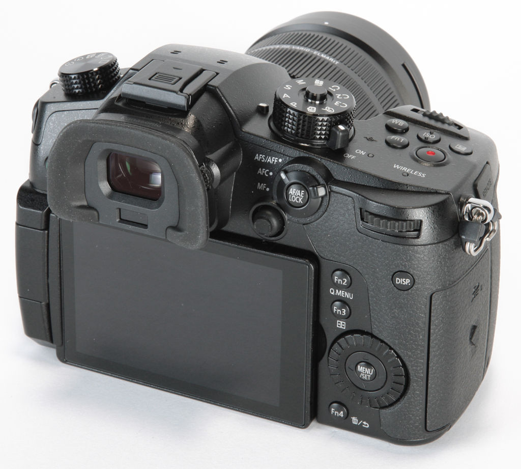 Panasonic Lumix GH5 camera vlogging