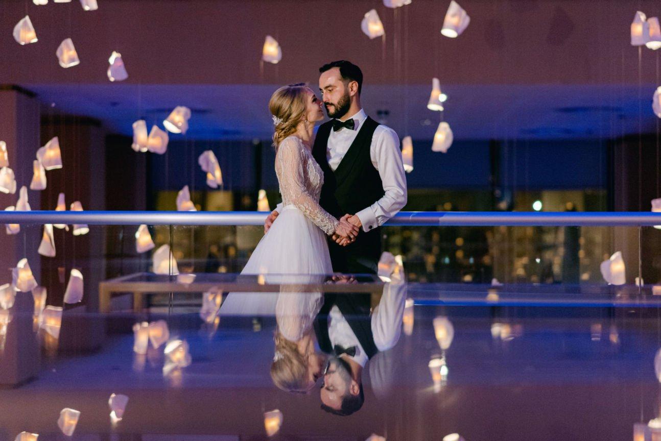 fotografii de nunta artistice la pregatirea mirilor
