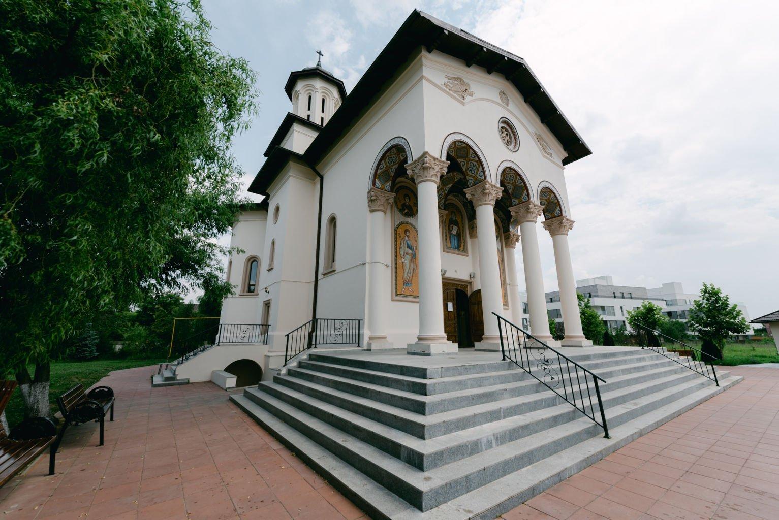 fotografii detalii botez biserica Sf. Antonie Maicaneasa Bucuresti
